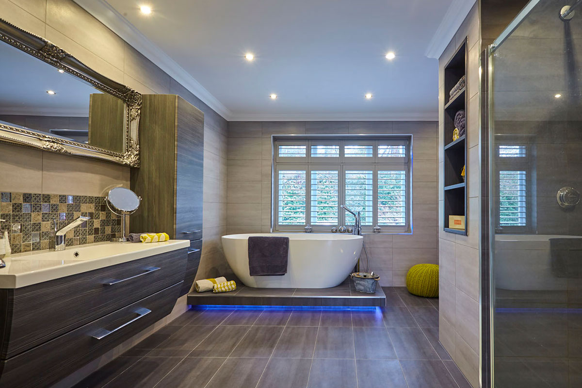 Present a clean modern bathroom with our home staging service.