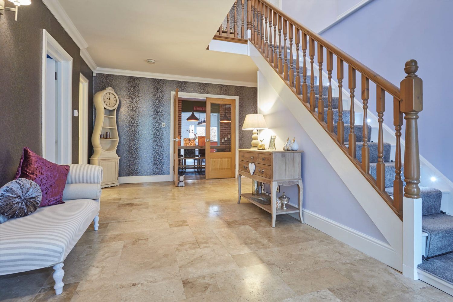 decluttered, organised hallway with home staging